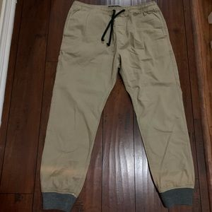 NWOT Mens Large American Eagle Joggers